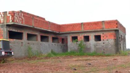 Paralisação de obras traz transtornos a moradores de Itaquaquecetuba