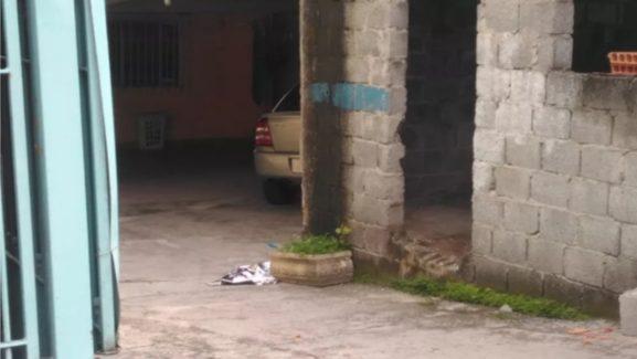 Bebê morto é encontrado em garagem de casa em Itaquaquecetuba