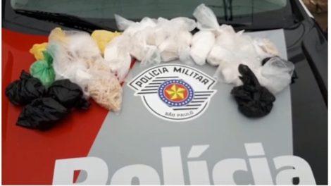PM apreende mais de mil porções de drogas em Itaquaquecetuba