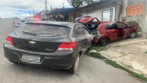 Dois são presos em Suzano com carro roubado em Itaquaquecetuba, diz PM