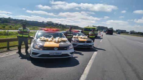 Polícia encontra 15 quilos de maconha dentro de carro abandonado na Rodovia Ayrton Senna, em Itaquaquecetuba