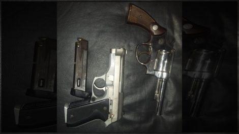 2 morreram em troca de tiros e 5 são presos em assalto ao shopping, diz polícia